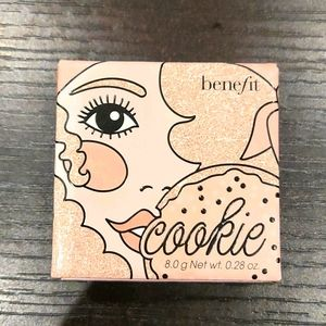 Benefit Cosmetics Cookie Highlighter